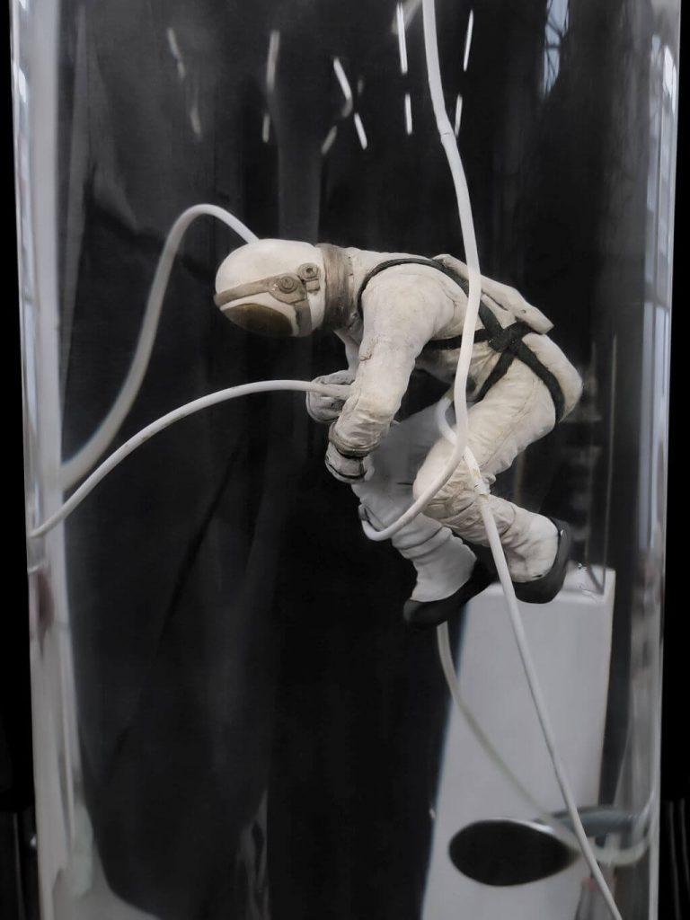 Wojciech Kuszaj, Kosmonauta | 2020, obiekt, 200 × 40 × 40 cm (fragment), courtesy W. Kuszaj, fot. W. Kuszaj