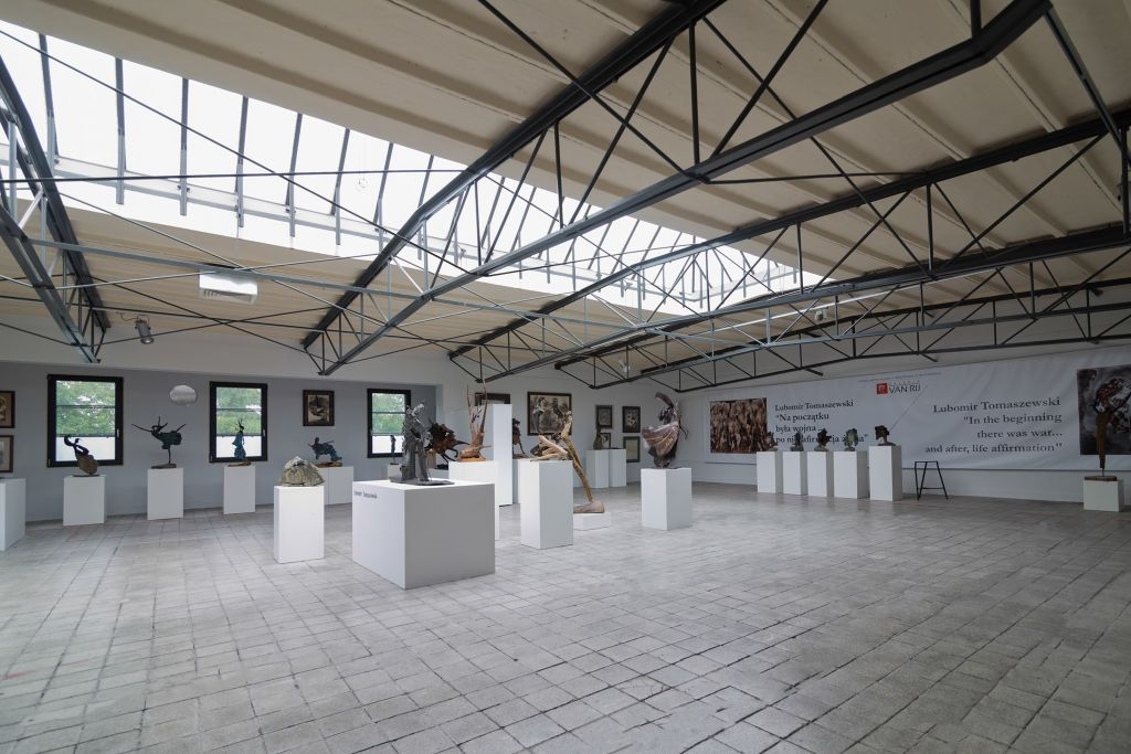 Galeria van Rij, Ćmielów, niezła sztuka