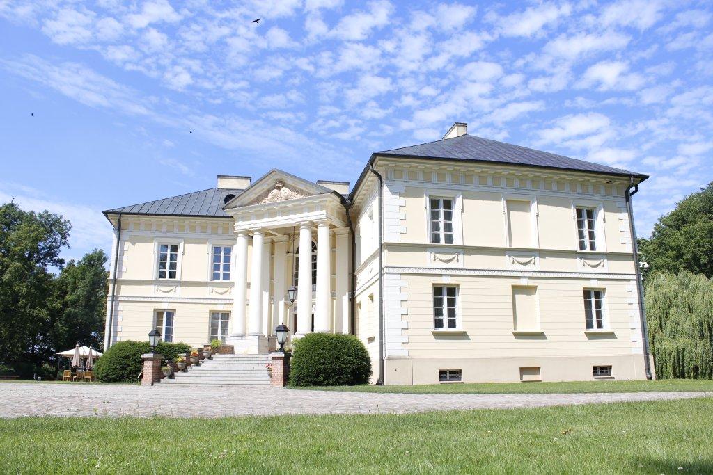 dobrzyca-muzeum-palac1